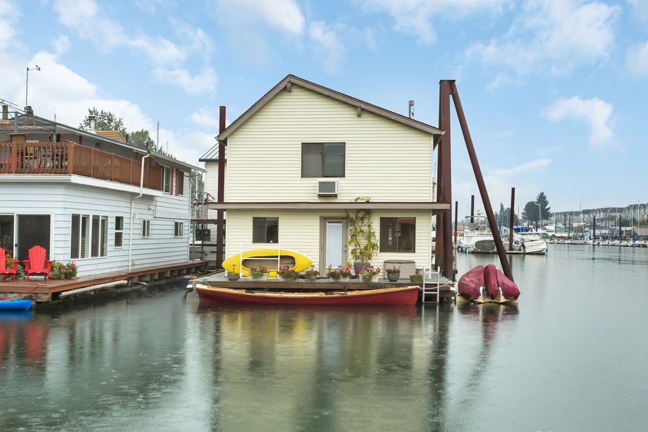 Portland Floating Homes Archives - Karla Divine - Floating